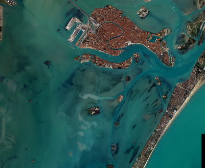Arial photo of the city of Venice.