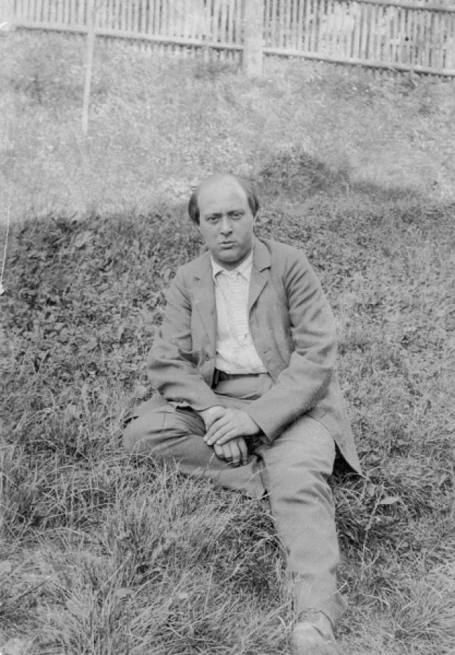 Figure 1. Arnold Schönberg in Payerbach, 1903