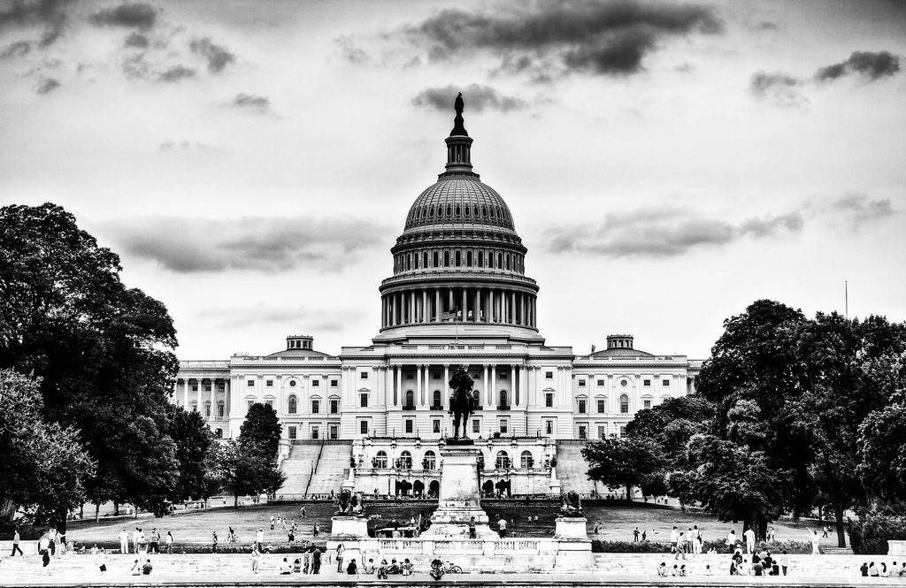 Black-and-white photo of U.S. Capitol building