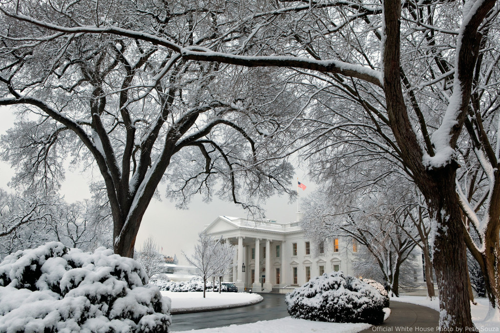 Photo of the White House blanketed in snow.