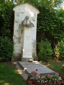640px-Zentralfriedhof_Vienna_-_Brahms