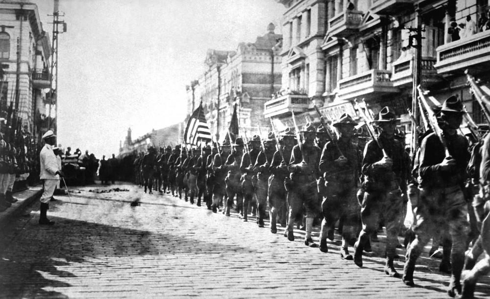 Photograph of American troops in Vladivostok.