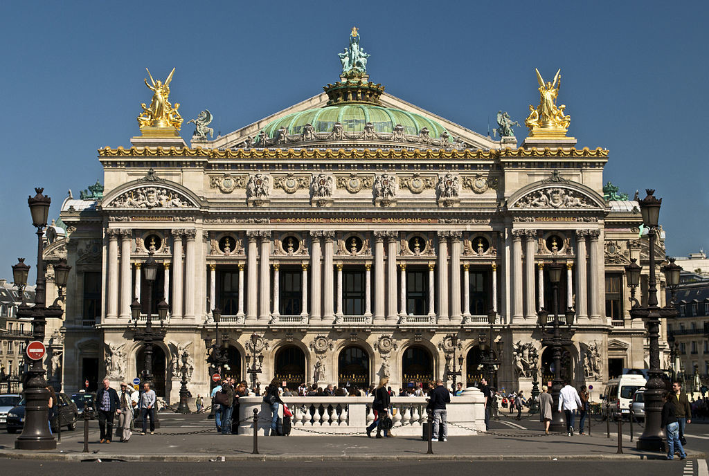 Photo of the front of the Palais Garnier of the Paris Opéra