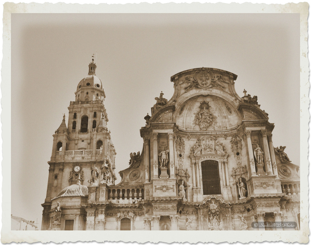 Black-and-white photo of The Cathedral Church of Saint Mary in Murcia, Spain.