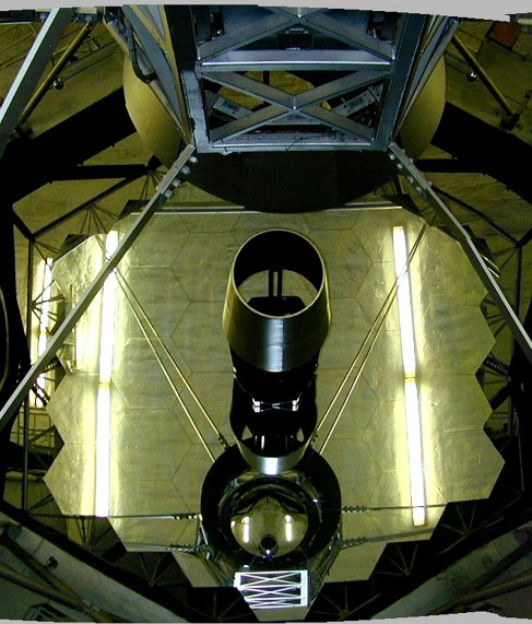 Photograph of the composite mirror of one of the 10-m Keck telescopes in Hawaii.