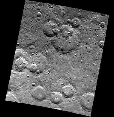Image of the surface of Mercury taken from Mariner 10. Large craters, with many overlapping one upon the other, cover the surface of this 400 km wide scene.