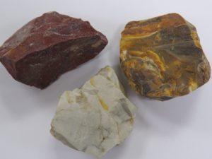 três variedades de calcedônia