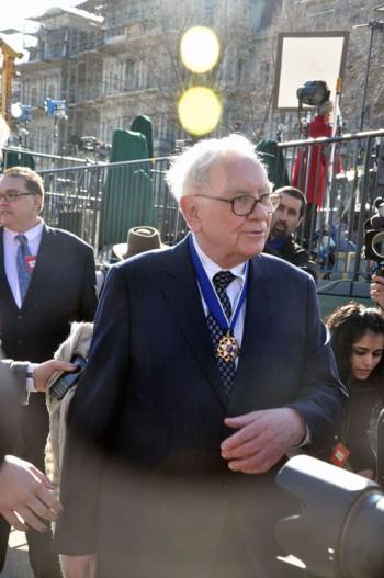 A photo of Warren Buffett.