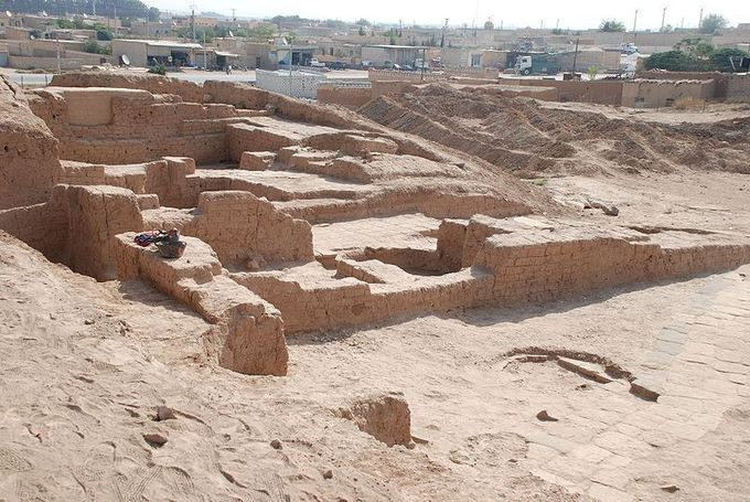 Photo depicts the northeast palace, part of the ruins excavated by geologists at Tal Halaf.