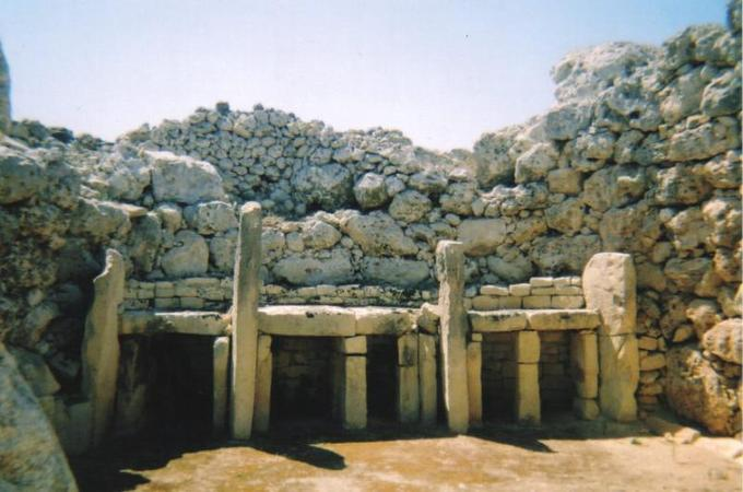 Photograph depicts entrance of temple.