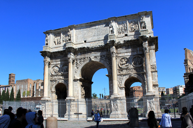This is a current-day photo of the Arch of Constantine.