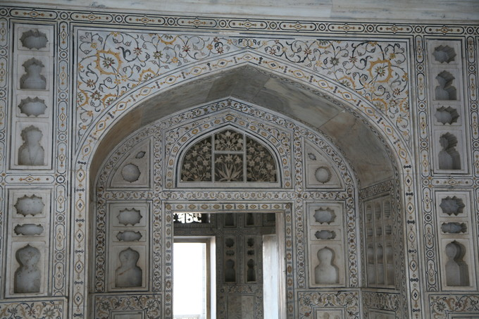 This is a current-day photo of arabesque inlays at the Mughal Agra Fort, India.