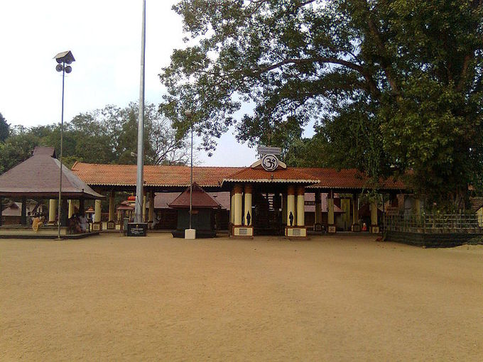 This is a current-day photo of the Chettikulangara Devi temple in Kerala, one of the most famous examples of South Indian architecture.