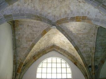 Cross-ribbed vault, Bonne-Espérance Abbey, Vellereille-les-Brayeux, Belgium, ca, 13th century