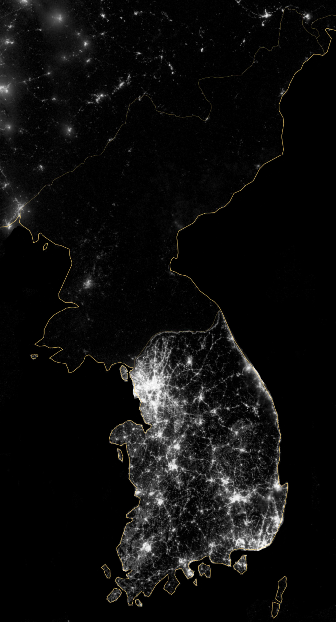 The satellite image shows that South Korea is full of lights, while North Korea, on the other hand, is almost completely dark.