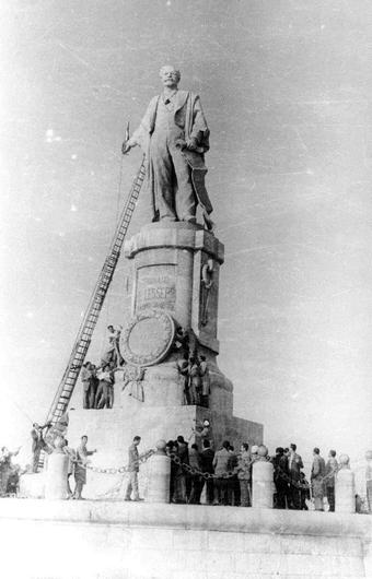 Statue of Ferdinand de Lesseps (a Frenchman who built the Suez Canal) was removed following the nationalisation of the Suez Canal in 1956.