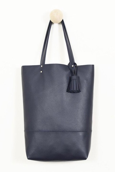 864 navy tote