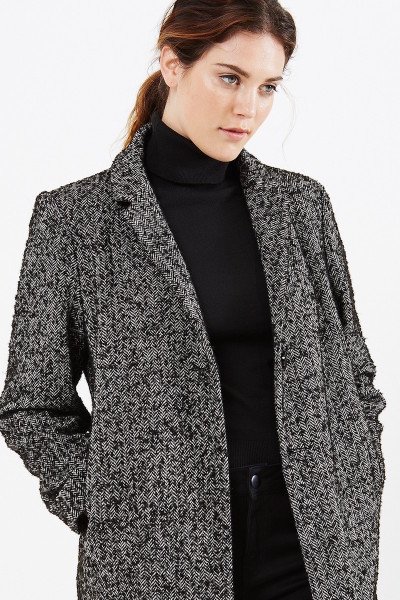 AW16_01_CT02-monochrome-oversized-coat-in-tweed_05 (1)