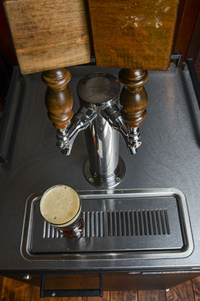 4 things to consider before buying a kegerator for Home bar with kegerator space