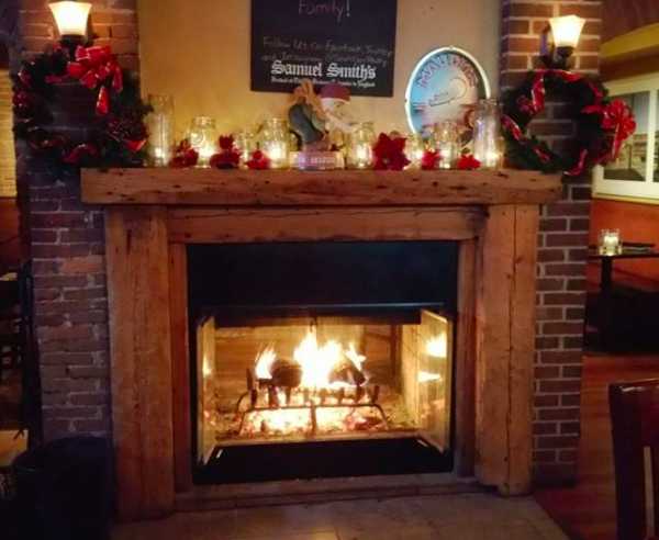 Devils-Den-Fireplace-Holiday