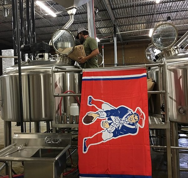 Travis-Herman-brewing-G.O.A.T.-IPA