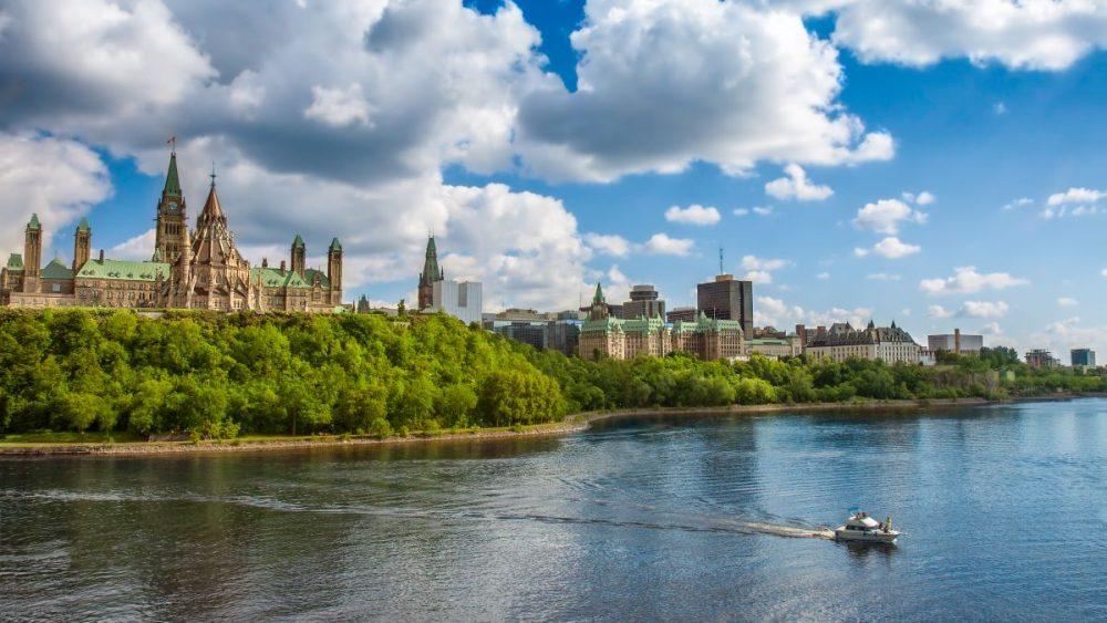 ottawa-ontario-parliament-hill-canada