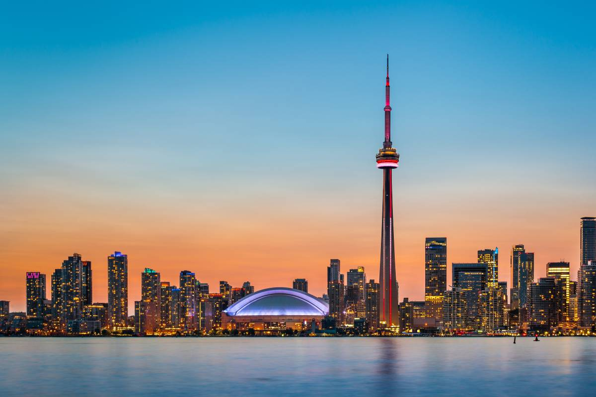 Ontario skyline at sunset | immigrate to Canada