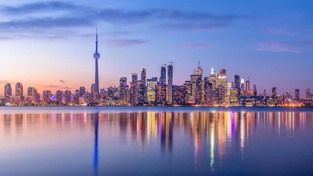 Move-to-Canada-Toronto