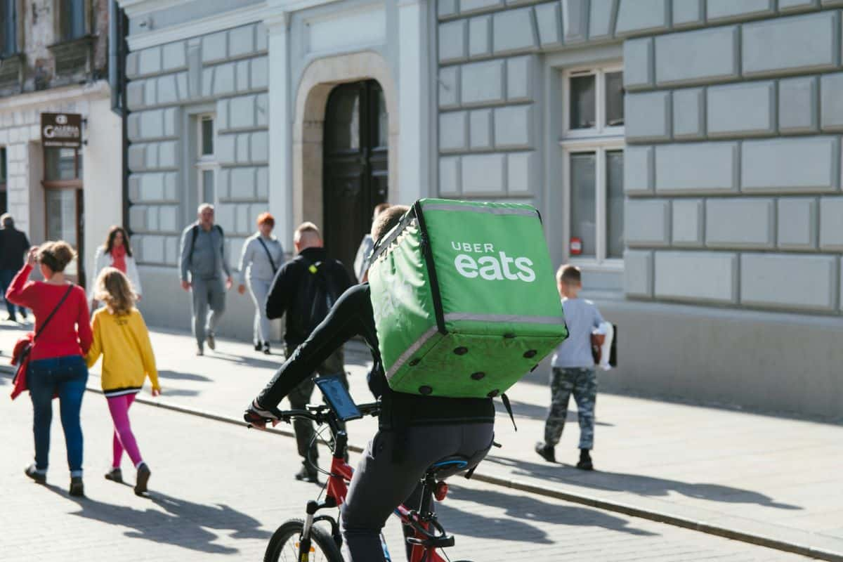 Uber eats_delivery on bicycle