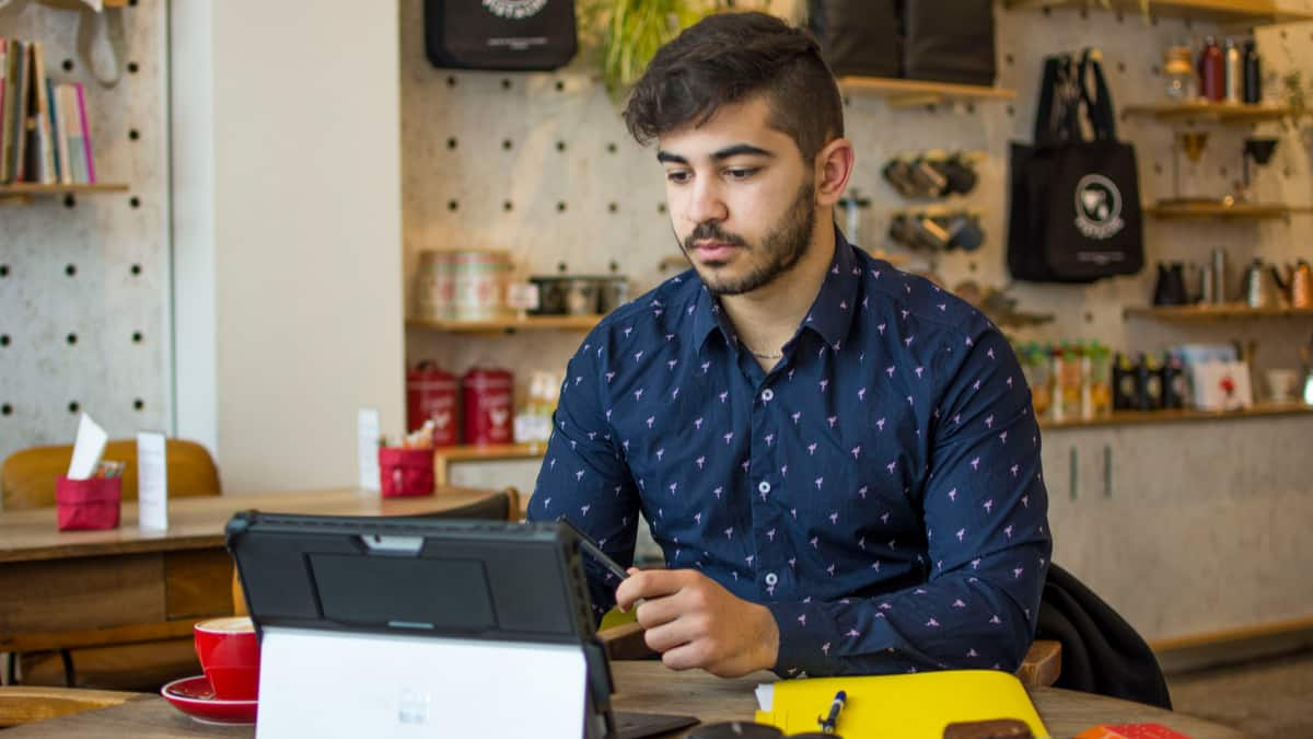 Small-business-owner-immigrate-to-Canada