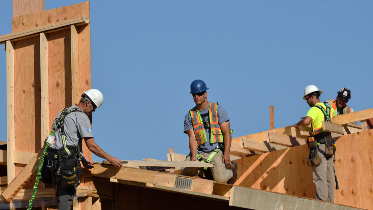 Construction-Trades-Workers-Canada-Work-Permit