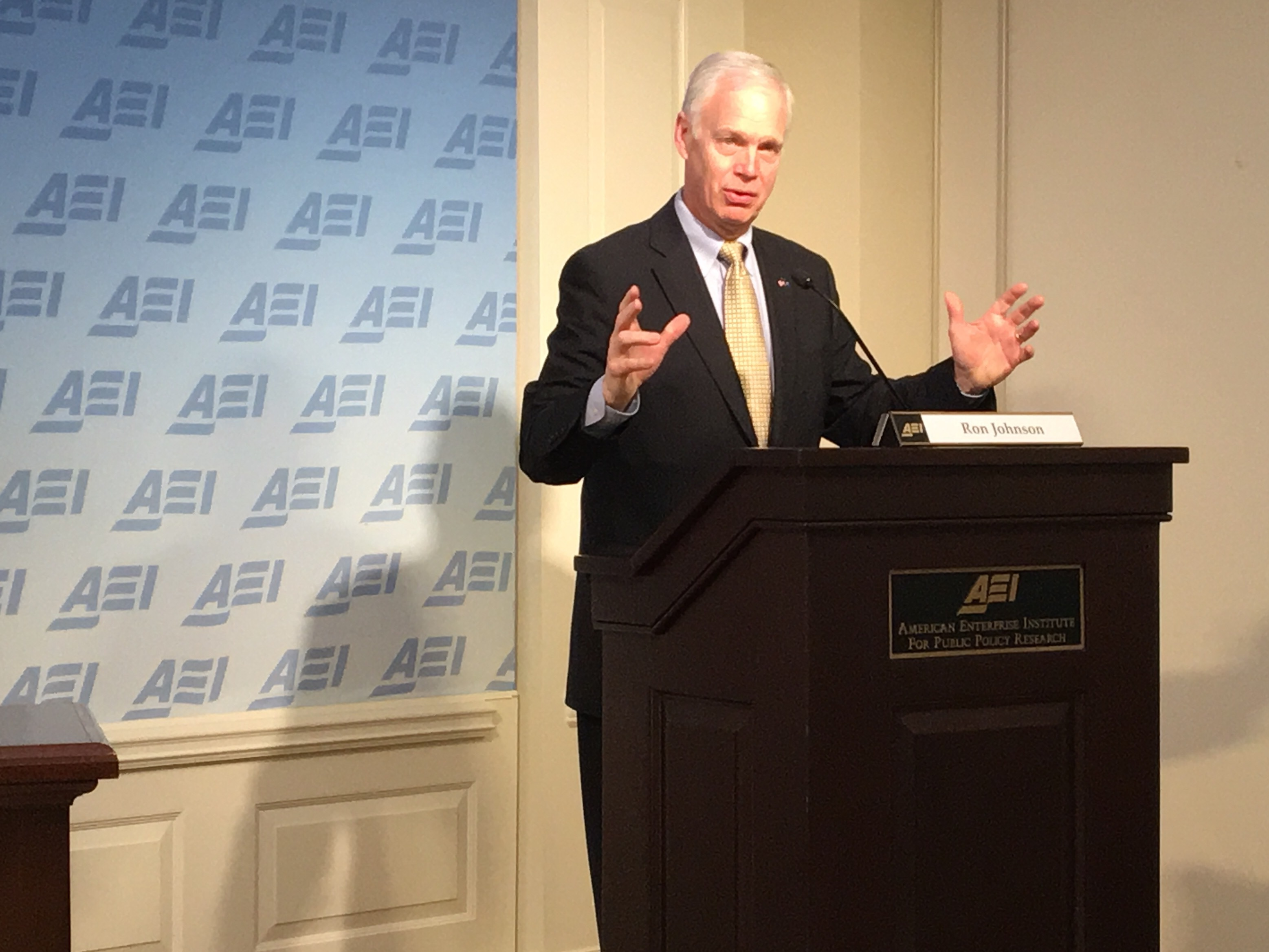 Ron Johnson speaks Thursday at the American Enterprise Institute. (Greg Otto/FedScoop)