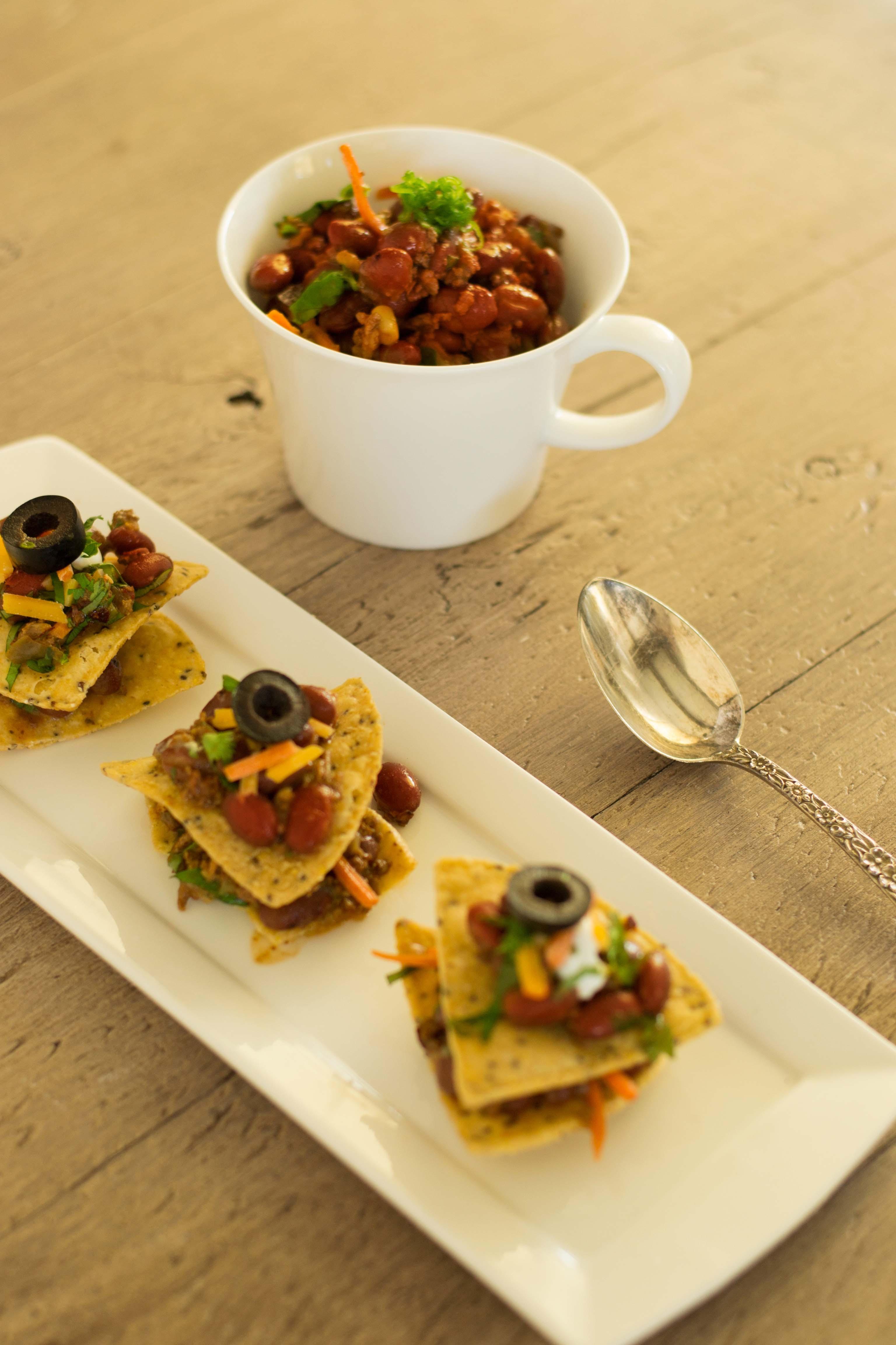 Veggie-Chili-and-Skinny-Nachos