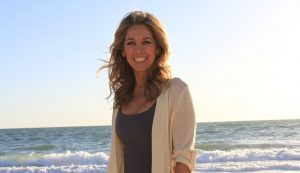 How To Eat Healthy On Vacation - Travel Tips - Denise Austin