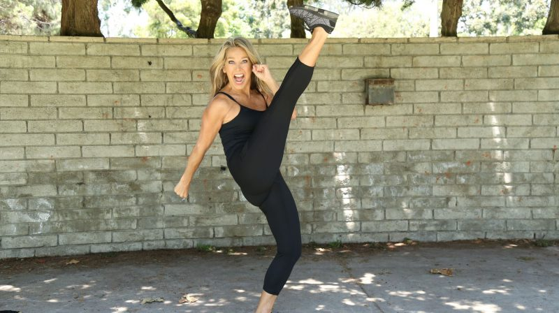 5-Minute Lean Legs And Thighs Workout!