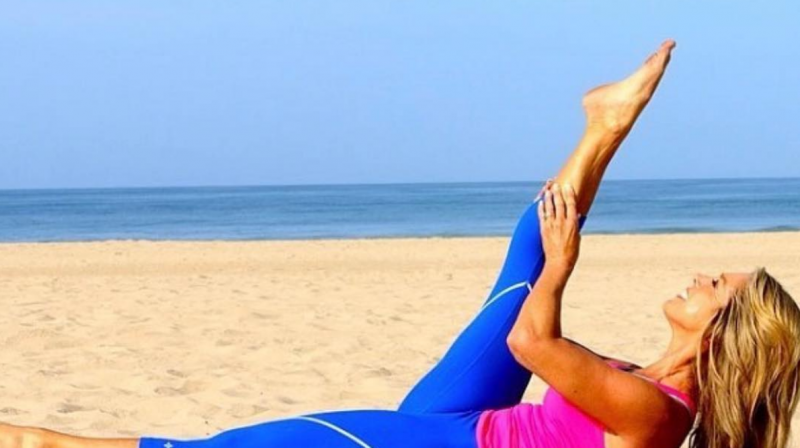 Cardio Tuesday: 20-Minute Beach Legs Workout
