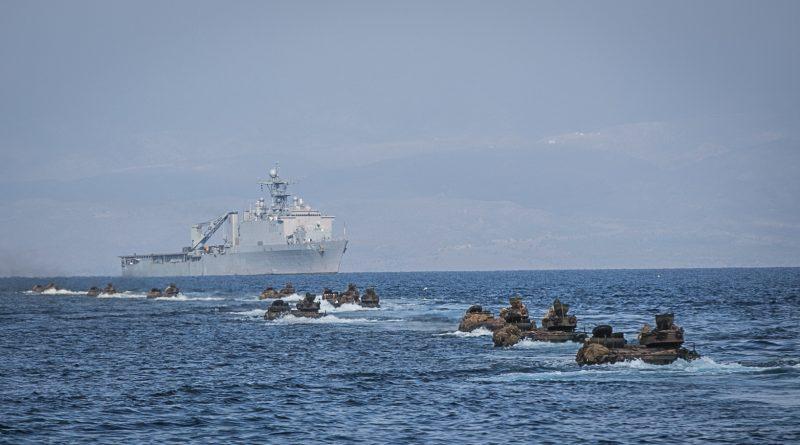 בהציבו כוחות ימיים בדרום ים סין ובים האדום יצר ממשל טראמפ שתי זירות מקבילות בהן הוא יכול לפעול צבאית נגד סין, צפון קוריאה ואיראן