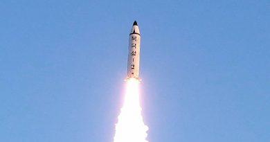 צפון קוריאה שיגרה טיל בליסטי לטווח בינוני. ארצות הברית פוצצה אותו באוויר