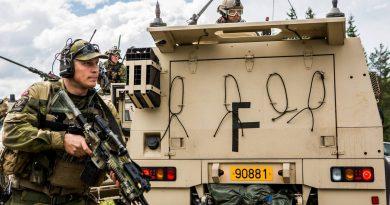"""כוח משולב איראני-סורי-חיזבאללה נע לעבר משולש הגבולות ירדן-סוריה-עיראק. ארה""""ב מטילה כוחות מיוחדים נוספים למערכה"""