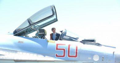 """עם התגברות המתיחות הצבאית בין ארה"""" לרוסיה בסוריה מבקר אסד בסיס האוויר הרוסי בלטקיה"""