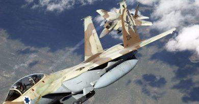 """רוסיה וסוריה: שני מטוסי F-15 של חיל האוויר הישראלי ביצעו את ההתקפה על T-4. הנ""""מ הסורי-רוסי יירט 5 מתוך 8 הטילים שנורו"""