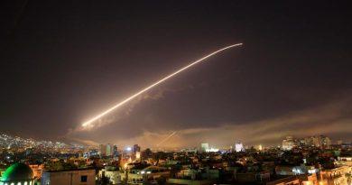 ארצות הברית בריטניה וצרפת החלו את המתקפה על סוריה. ב-04:00 לפנות בוקר הותקפה תשתית הנשק הכימי הסורי