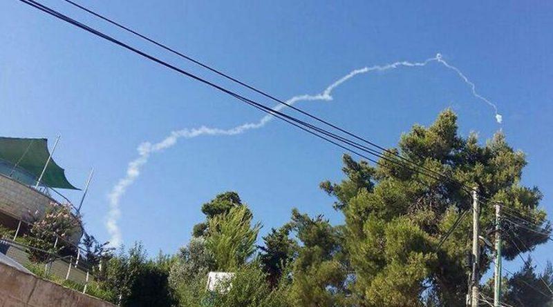 """כאשר משגרים טילים שלא יפגעו בעפיפונים. הם גם לא פוגעים במזל""""טים. מהלך סורי לבדוק ערנות ישראל לפני ההתקפה על קונטרה"""