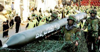 ישראל וחיזבאללה מחליפים ביניהם איומים: אם חיזבאללה לא יסגור את המפעלים לטילים מדויקים הם יותקפו. נסראללה: נגיב במכת-נגד