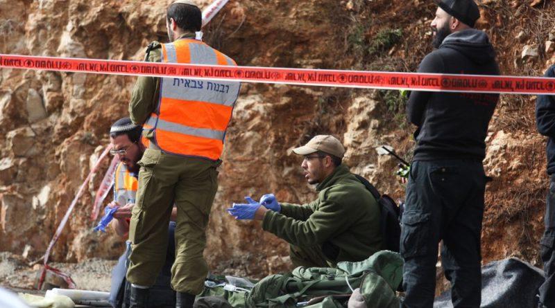 """2 חיילי צה""""ל  נהרגו, חייל צה""""ל פצוע אנוש, וצעירה פצועה קשה בפיגוע ירי בגבעת אסף. תשתית הטרור של החמאס אחראית לפיגוע"""