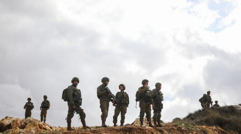 """סימנים כי גורמים מזוינים בתנזים של הפת""""ח מסייעים לפיגועי החמאס ביהודה ושומרון. עד עתה נרצחו בפיגועים 5 ישראלים וכ-12 נפצעו"""
