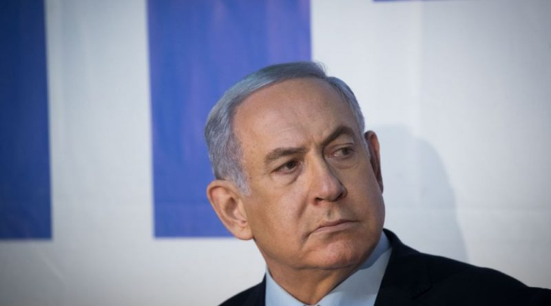 איך מתקשרת מכת המנע הישראלית על הגרעין האיראני עם הטלפון הסלולרי של גנץ