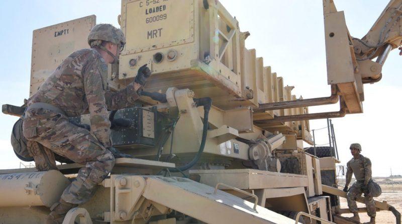 """ארה""""ב שולחת כוחות צבאיים, כולל סוללות טילי 'פטריוט' לסעודיה. יוצבו בבסיס האווירי סולטן מזרחית לריאד מול גבול עיראק"""