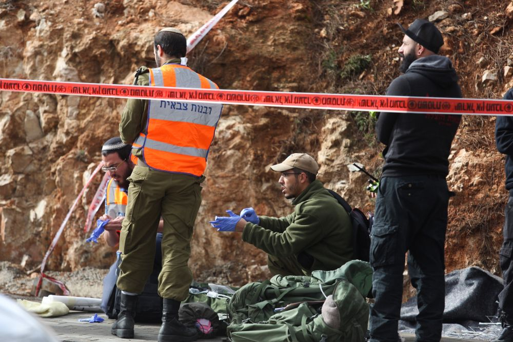 Two soldiers dead, a third soldier and a civilian in critical condition from Palestinian shooting near Bethel
