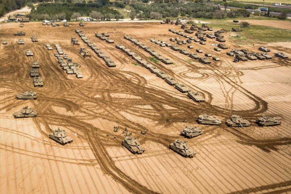 IDF-Tanks-Deployment-Gaza-B-27.3.19.jpg
